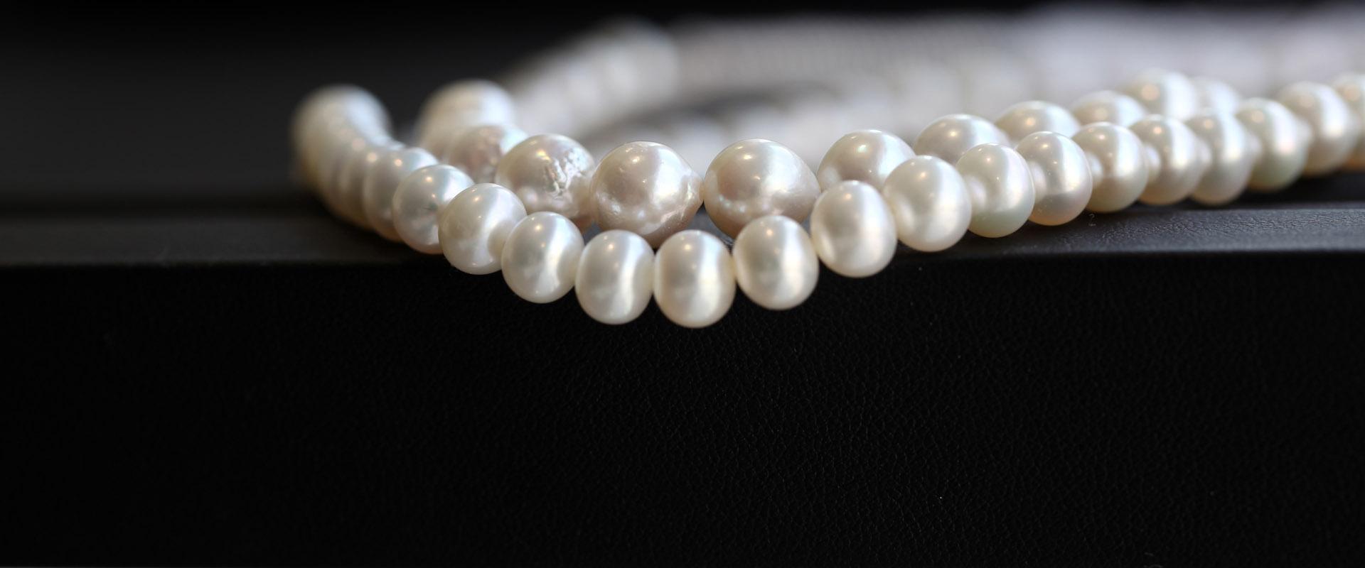 Tobias Mardorf bietet echte Perlen an